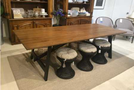 Albury-dining-table.jpg    Albury-dining-table.jpg